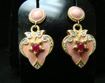 18K Gold Gorgeous peachy/pink Enamel heart earrings with diamonds and rubies