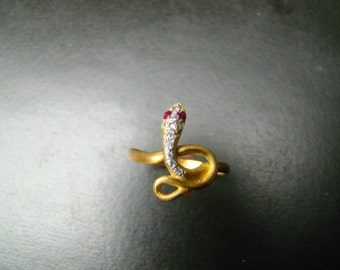 14k gold pave diamond and ruby snake ring