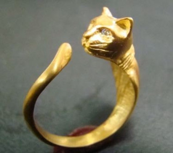 14k Gold Cat ring with diamond eyes