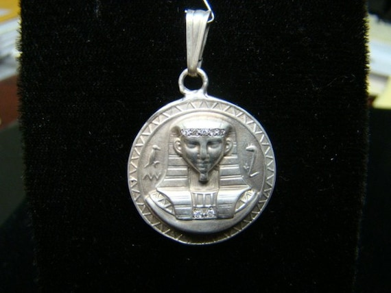 Sterling SIlver Egyptian Pharaoh and Queen reversible pendant