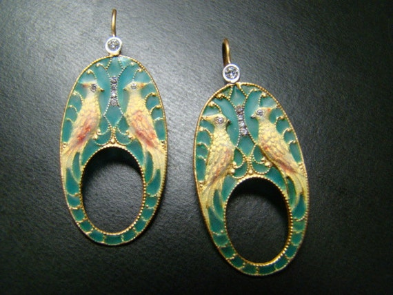 Unique and Exciting 18k gold enameled bird earrings with diamonds
