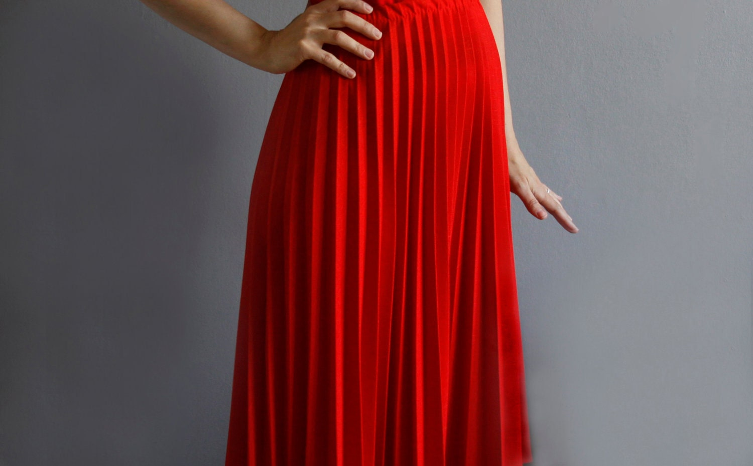 RESERVED /// 1970's red accordion pleat skirt l / xl .
