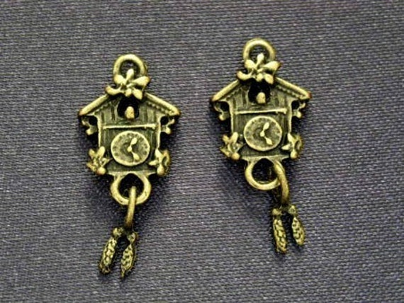 4 pcs Coo Coo House Clock, Antique Brass Plated Charms