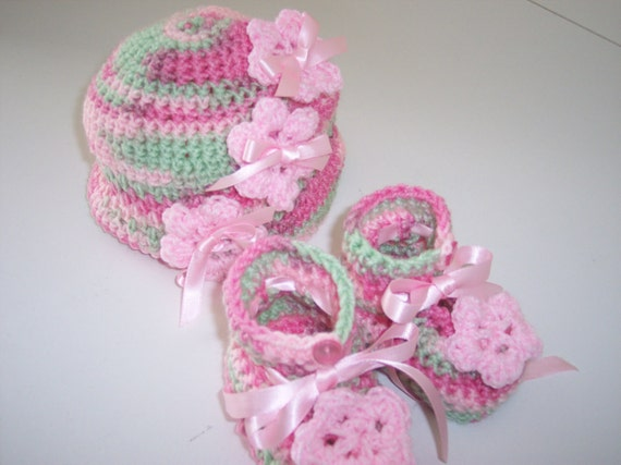 Pink and Green  Baby Beanie with Matching Booties in fine crochet with pink flowers
