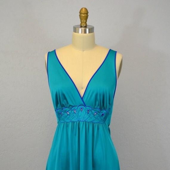 Vintage night gown /  1970s teal / plunging neckline / medium