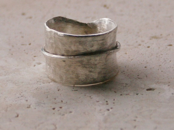 Spinner Ring / Sterling Silver Ring / Wide Sterling Ring / Hand Hammered Ring / Rustic Ring / Earthy Ring