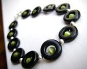 Green and black circles lightweight bracelet