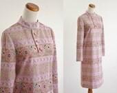 Vintage Mod Shift Dress -- 60s Pink and Beige Long Sleeve Dress -- Medium