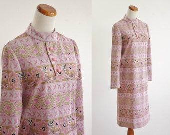 Vintage Mod Shift Dress -- 60s Pink and Beige Long Sleeve Dress -- Medium