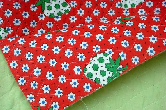 CUTE Strawberry Daisy Dot Vintage Fabric RED Pre-Quilted Double-faced