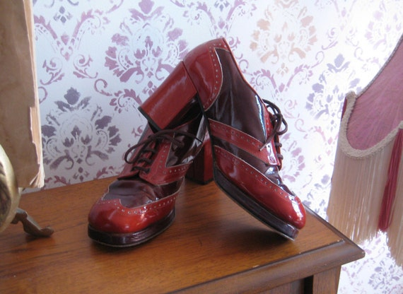 Vintage 60s 70s All Leather 2 TONED Whiskey & Wine Perforated Oxford WINGTIP PLATFORM Shoes 8 1/2 8.5