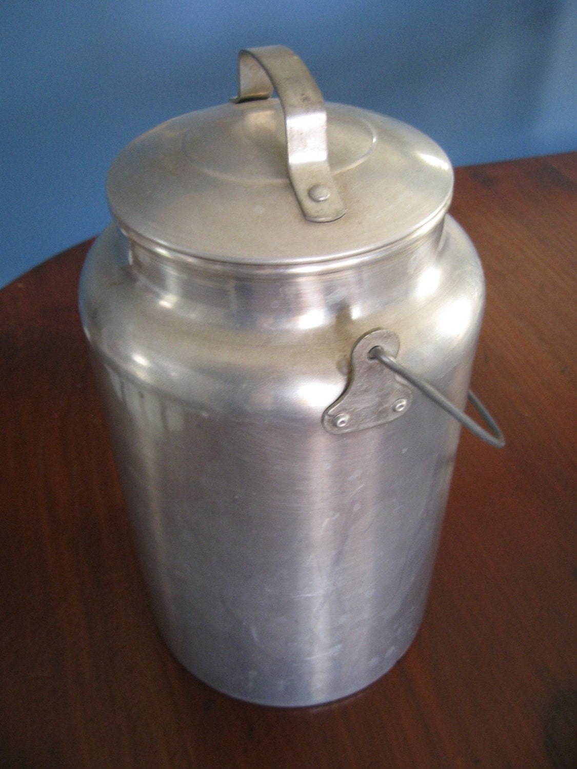 Vintage LEYSE Aluminum 4 Quart Milk can Pail Handle Lid | 1125 x 1500 jpeg 203kB