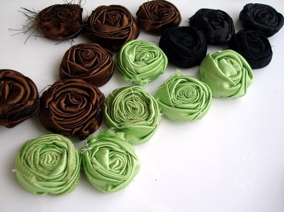16 Frayed Shabby Chic Rolled Fabric Roses Handmade Fabric Flowers wholesale