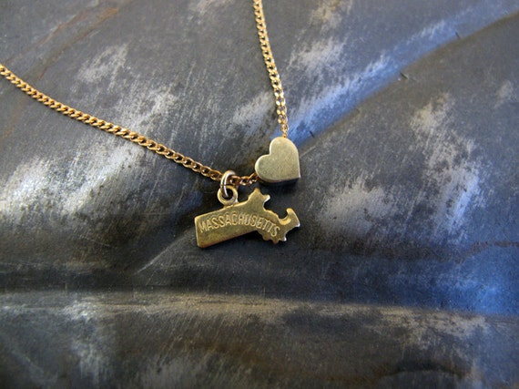 massachusetts state charm necklace 18 inches