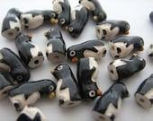 10 Tiny Penguin Beads