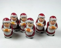 4 Large Mrs. Claus Beads