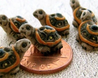 4 Tiny Tan Turtle Beads - CB21