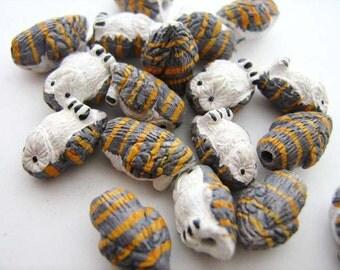 10 Tiny Barn Owl Beads - CB710