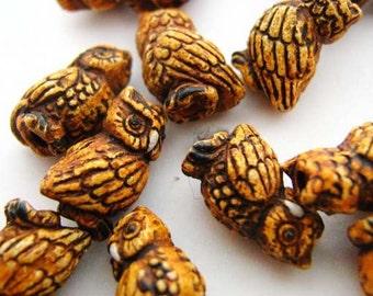 10 Tiny Owl Beads - CB327