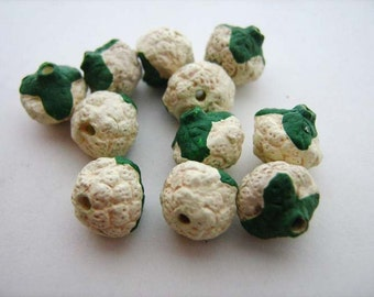 4 Tiny Cauliflower Beads - CB185