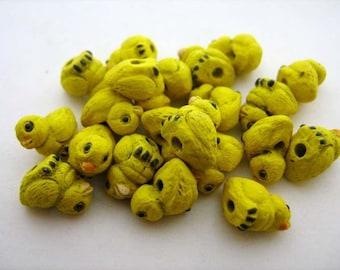 10 Tiny Chick Beads - CB166