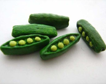 4 Tiny Green Pea Beads - CB179
