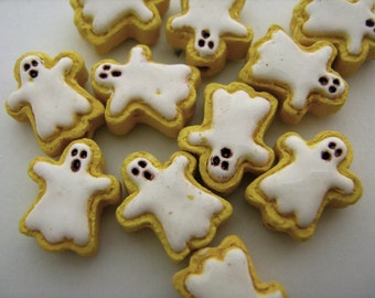 10 Tiny Ghost Cookie Beads - CB730