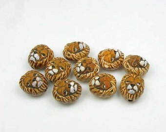 20 Tiny Lion Head Beads - CB452
