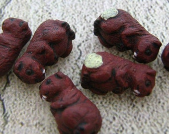 20 Tiny Beaver Beads