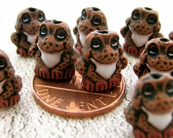 10 Tiny Frog Beads - brown