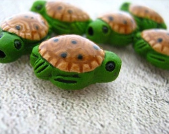 10 Tiny Sea Turtle Beads - animal beads, ceramic beads, peruvian beads - CB18