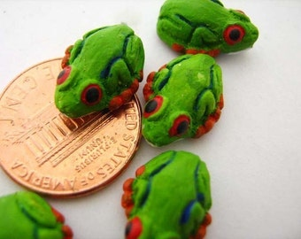4 Tiny Tropical Frog Beads