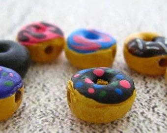20 Tiny Doughnut Beads - CB537