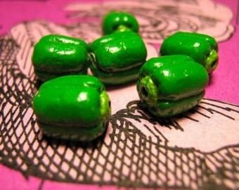 10 Tiny Green Pepper Beads - CB390