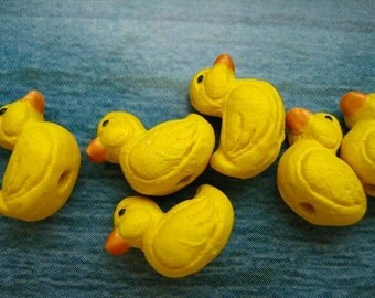 20 Tiny Ducky Beads - CB235