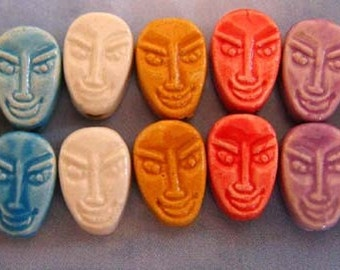 10 Tiny African Mask Beads - multicolored - CB625