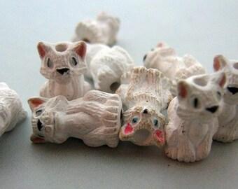 10 Tiny White Realistic Cat Beads - CB98