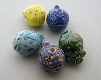 4 Tiny Blowfish Beads