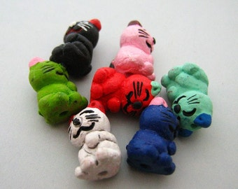 10 Tiny Happy Cat Beads - CB538