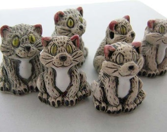 10 Large White Happy Cat Beads