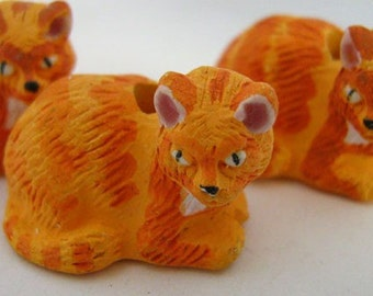 4 Large Orange Cat Beads - LG180