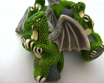 10 Large Green Sitting Dragon Beads - ceramic, peruvian, fantasy, large hole - LG204