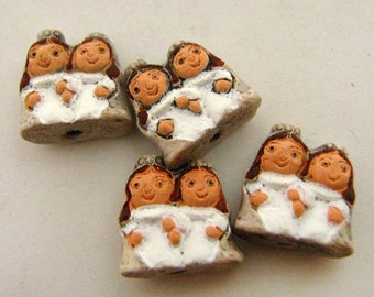 4 Tiny Bride and Bride Couple Beads