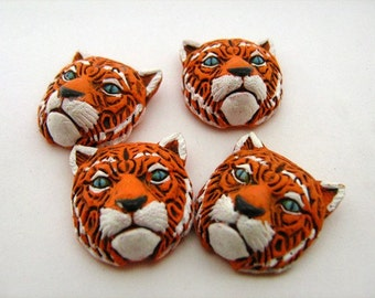 4 Large Tiger Head Beads - LG229