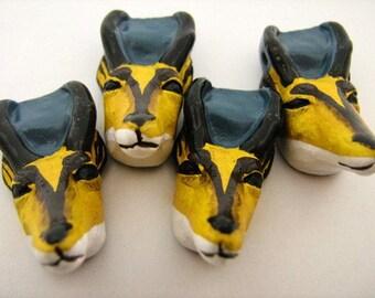 10 Large Antelope Beads - LG269