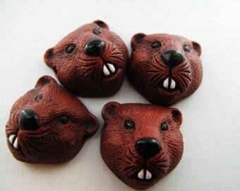 4 Large Beaver Head Beads - LG386