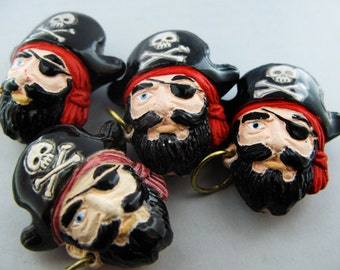 10 Large Pirate Captain Beads - LG397