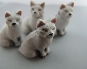 4 Large White Cat Beads - sitting