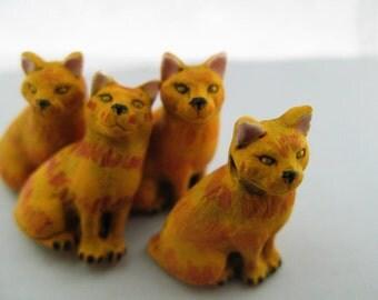10 Large Orange Cat Beads - sitting - LG380