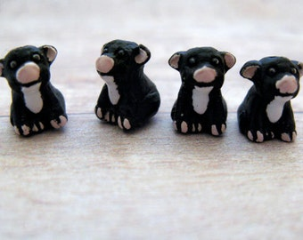 4 Tiny Black Pig Beads - CB331